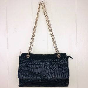 Quilted gold chain flap shoulder bag Defect